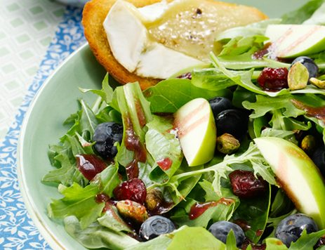 Blueberry and Apple Salad With Brie Toasts