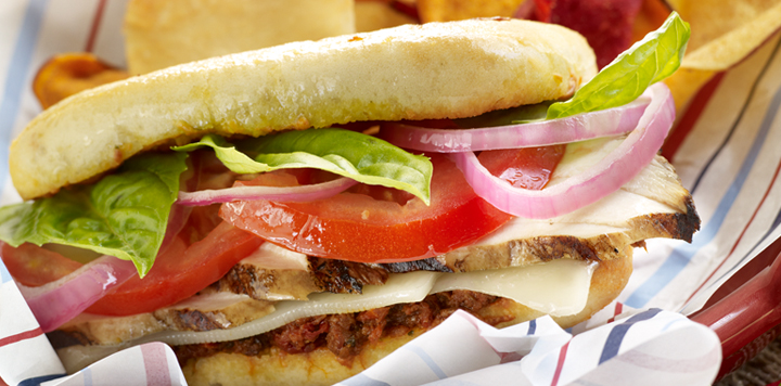 Grilled Chicken And Red Onion Sandwich Recipe