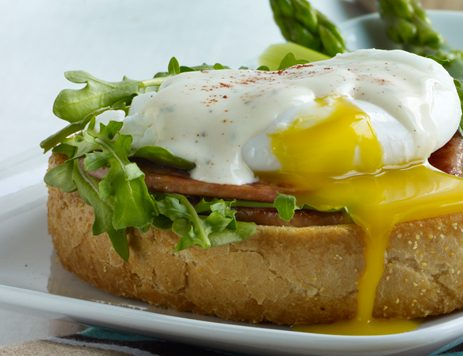 Texas Toast Eggs Benedict