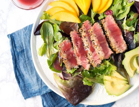 Seared Tuna Salad With Raspberry Dressing