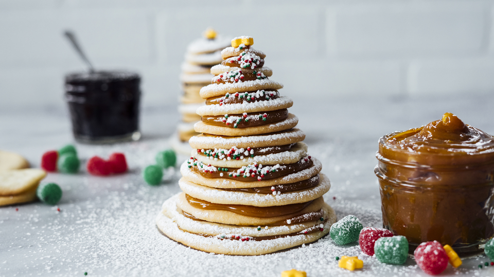 How to Make Christmas Tree-Shaped Snacks and Desserts